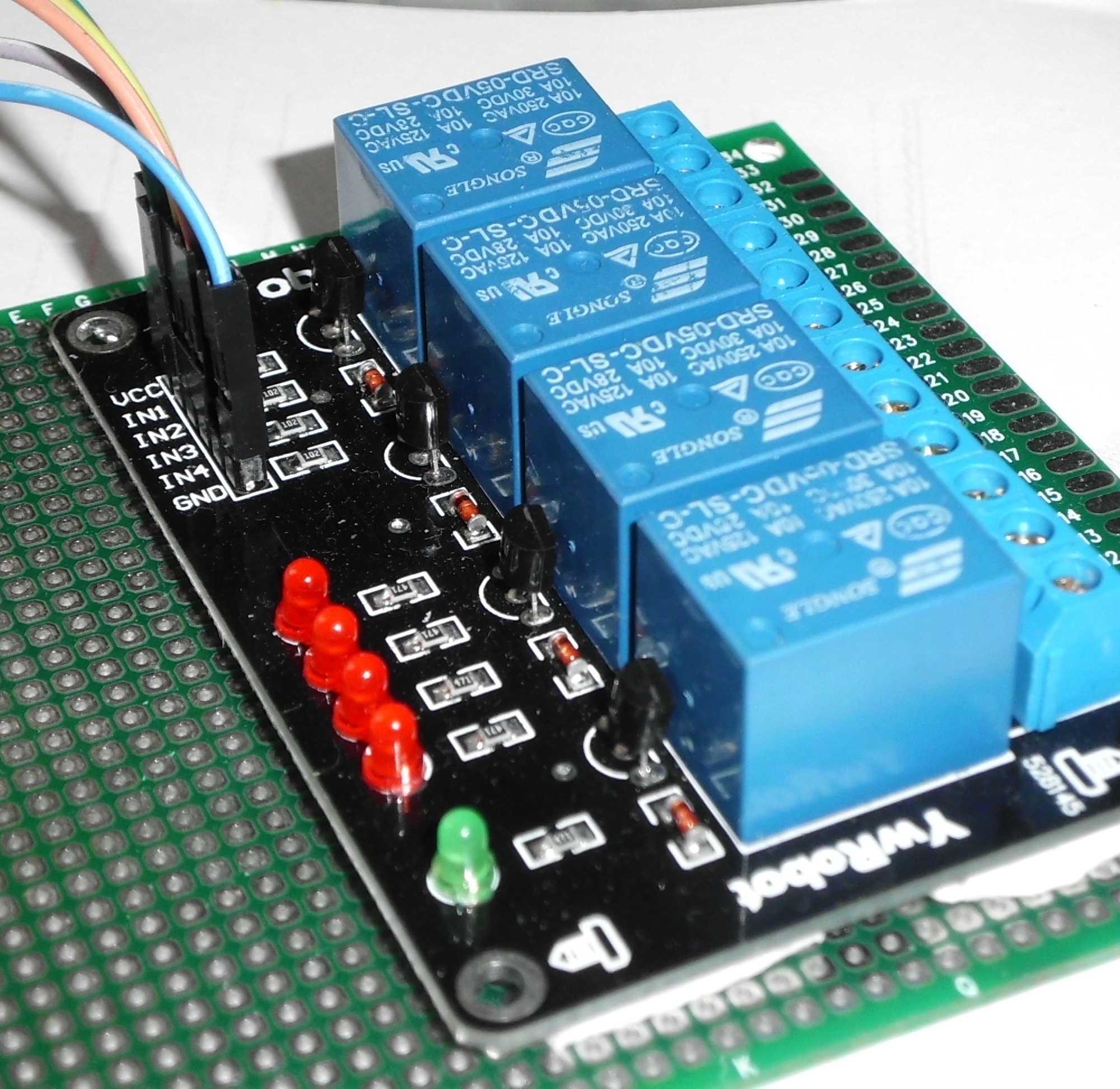 单片机控制小灯亮,灭,延时,一直循环,c语言编程