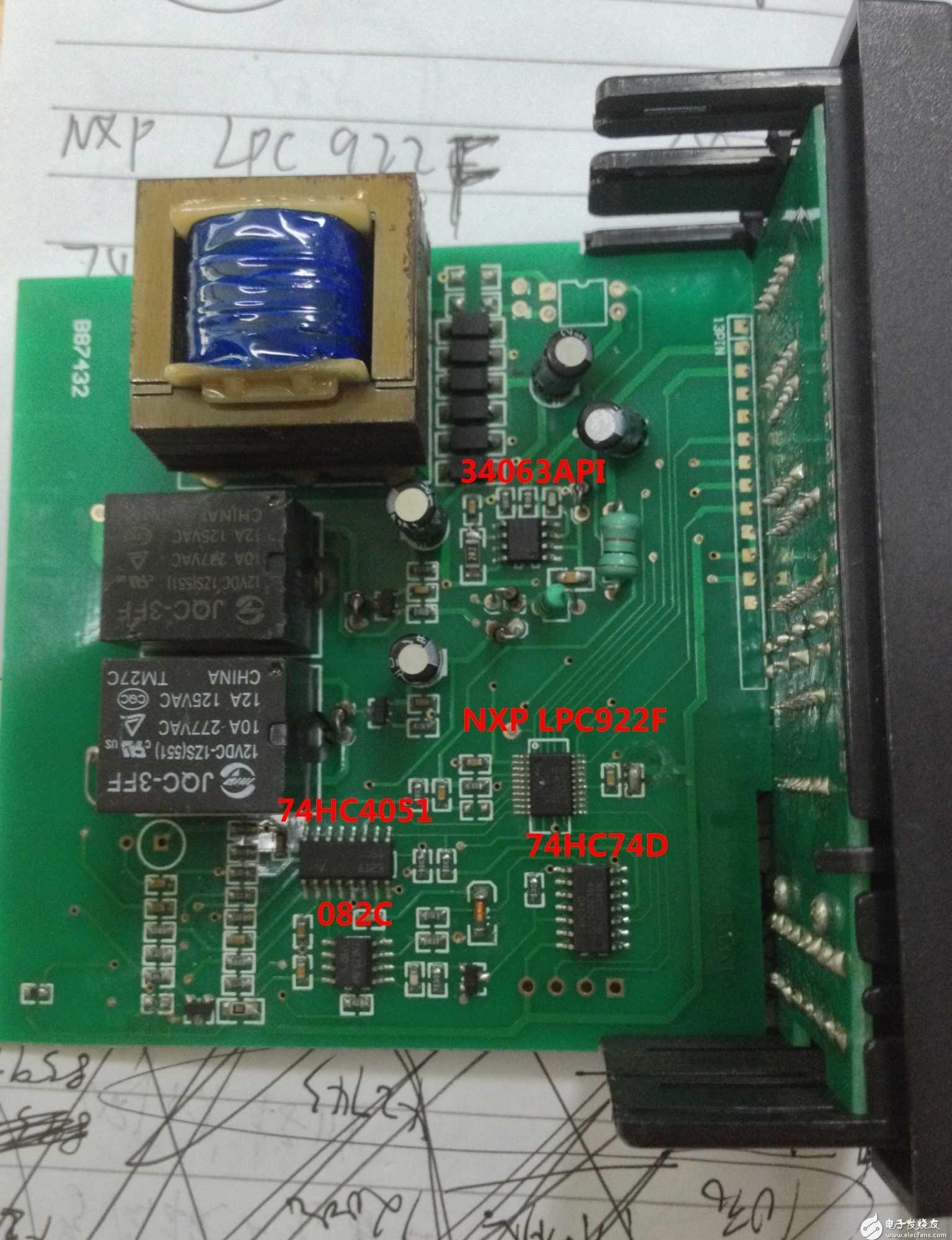 阳明牌的一款工业温控器,电路控制,检测,驱动部分的芯片在图上标示